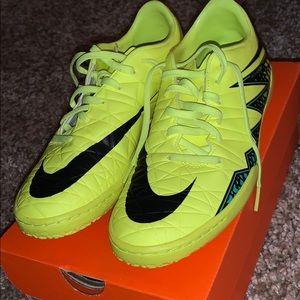 Nike hyper venom soccer shoes